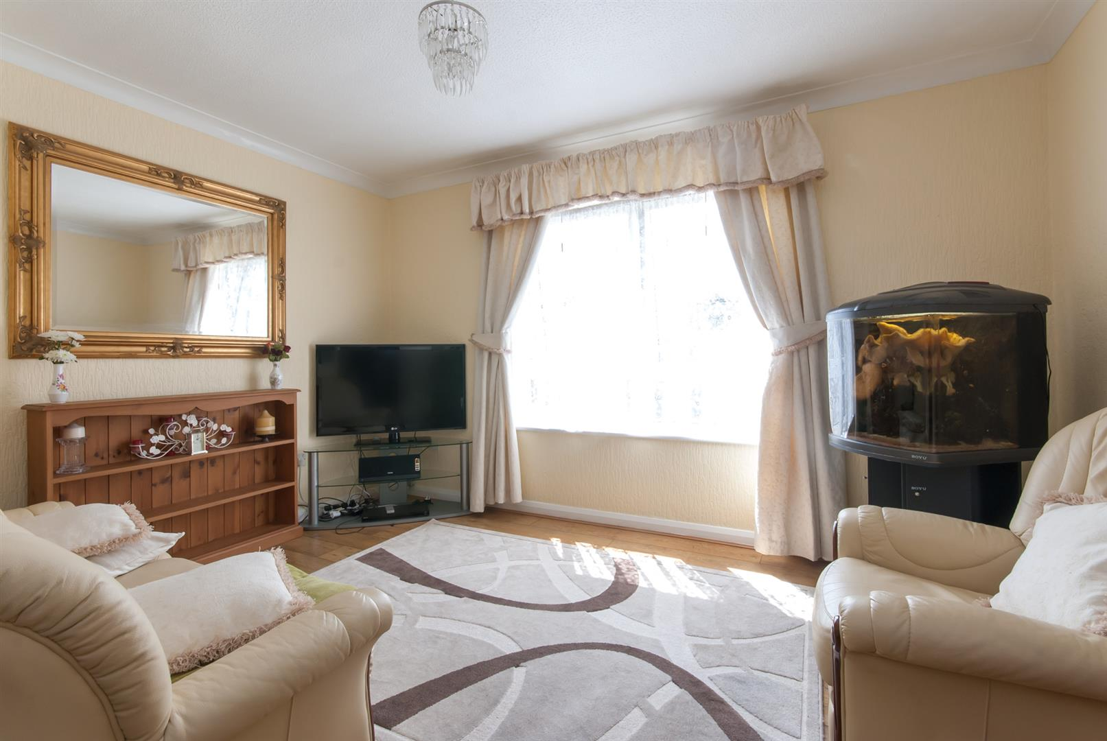 2 Bedrooms Flat for sale in Birch Hill Court, Birchington